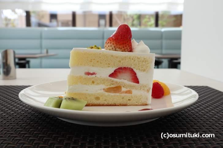 カフェ Miyabi 苺のショートケーキ(単品300円、ドリンクセット500円)