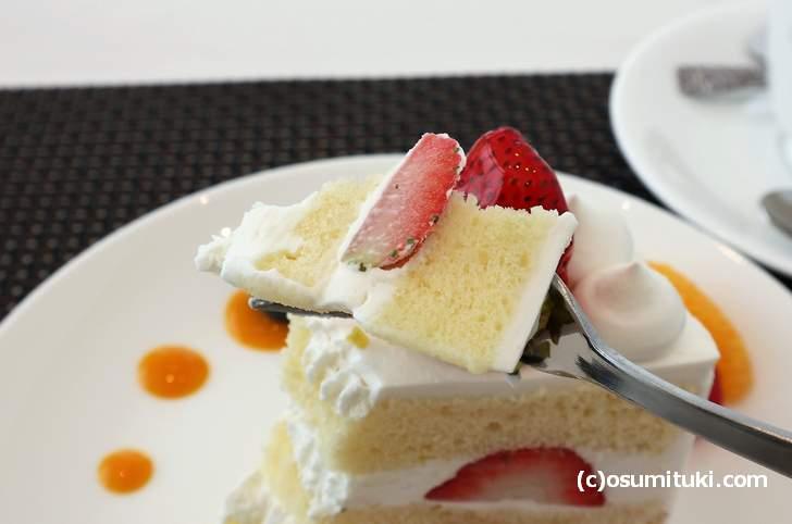丁寧につくられた苺のショートケーキで味も良かったです(Shop & Cafe Miyabi)