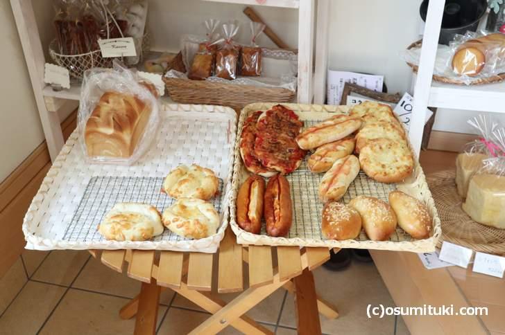 「アトリエ キュッセン」のパン