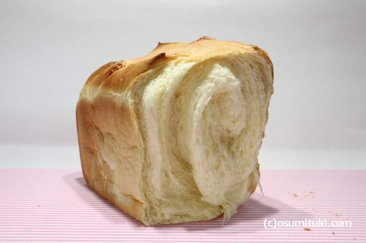 アトリエ キュッセン の食パン(350円)