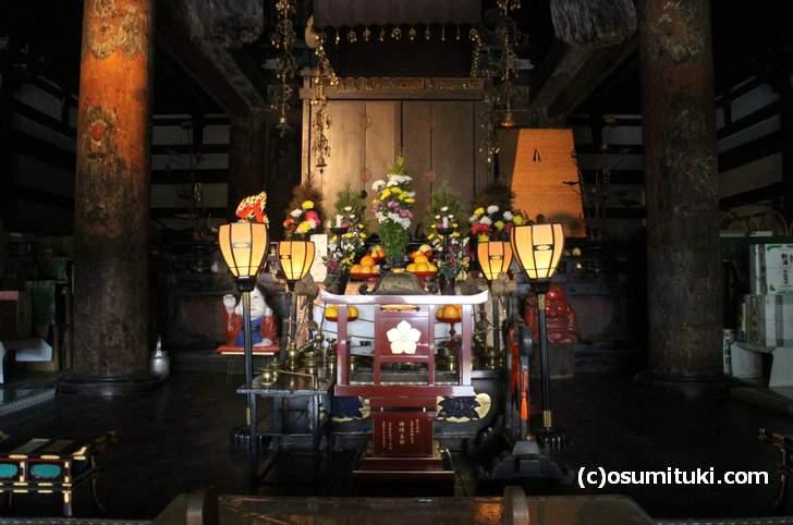 本堂にある仏堂(千本釈迦堂大報恩寺)