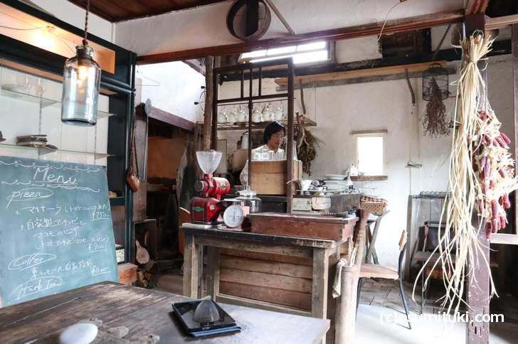 スーパーゆるふわ系カフェ「松橋雑貨店」