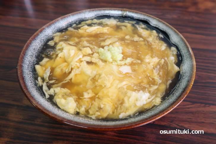 生姜が入った関西のうどん「けいらん(鶏卵)」風邪のひき始めに食べられています