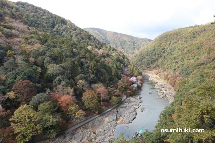 嵐山公園亀山地区、展望台から見る大堰川(桂川)が絶景(2018年11月14日)
