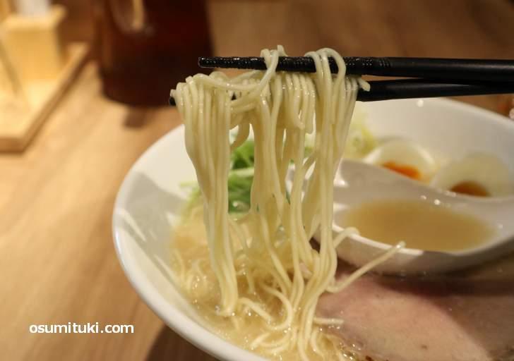 麺は細麺だけど白味噌に合いました(KYOTO MISO RAMEN KAZU)