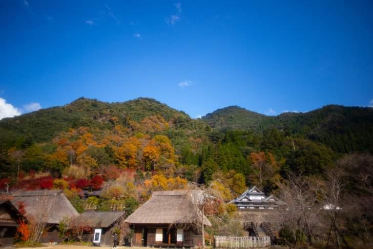 宮崎県西米良村の「おがわ作小屋村」、昔ながらの集落を感じ取れます