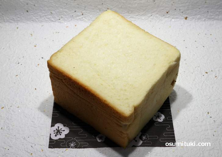 甘味がとても強めに出ている食パンです(ラ・パン)