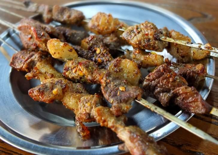中国東北料理といえば羊肉の串焼き