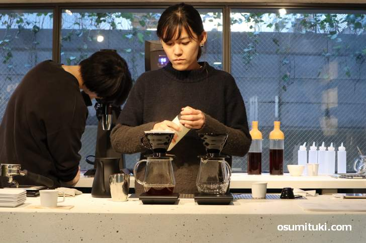 コーヒースタンド「Kurasu Fushimi Inari」が新店オープン(撮影許可済)