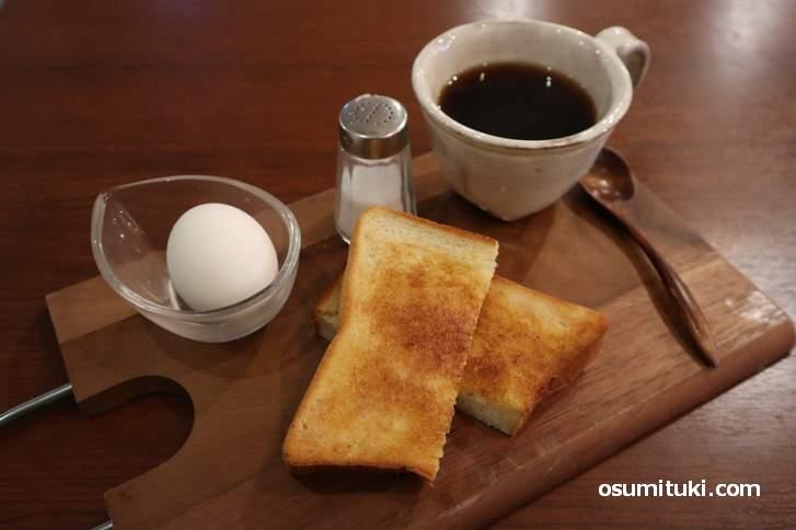 「カフェ バニーマタル」のモーニング(430円)