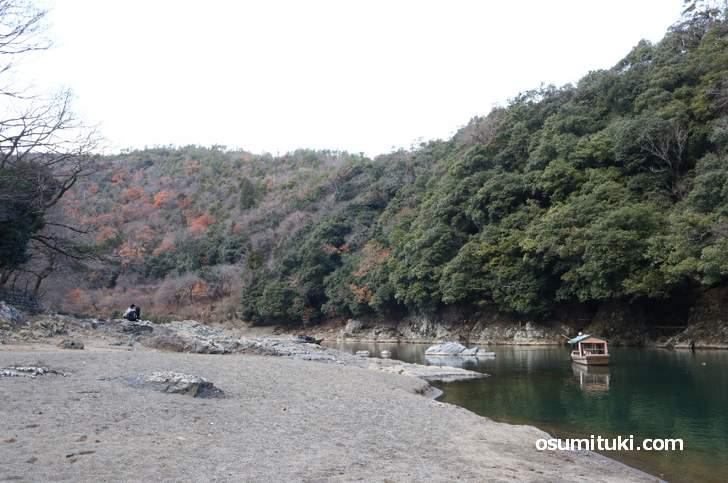 奥嵐山は河原の広い渓谷でした