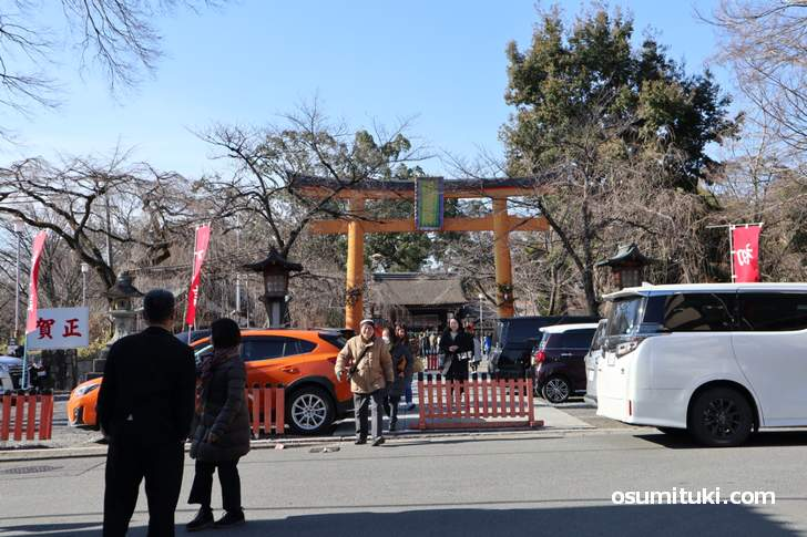 地元の人が多い初詣の平野神社