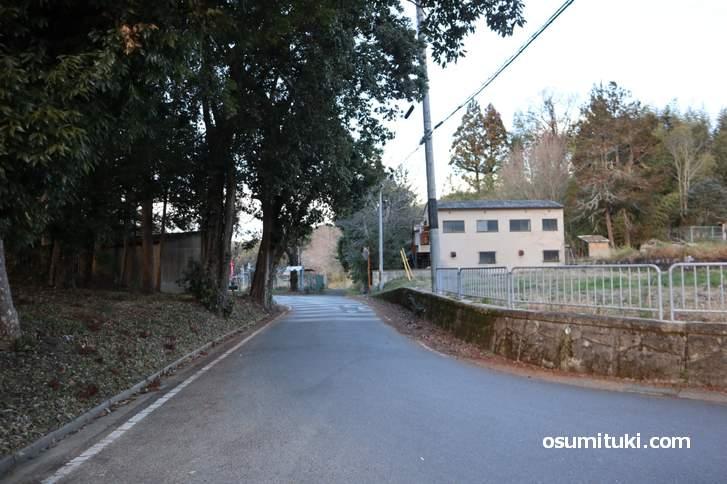 当尾(とうの)は木津川市加茂町にある小さな集落です