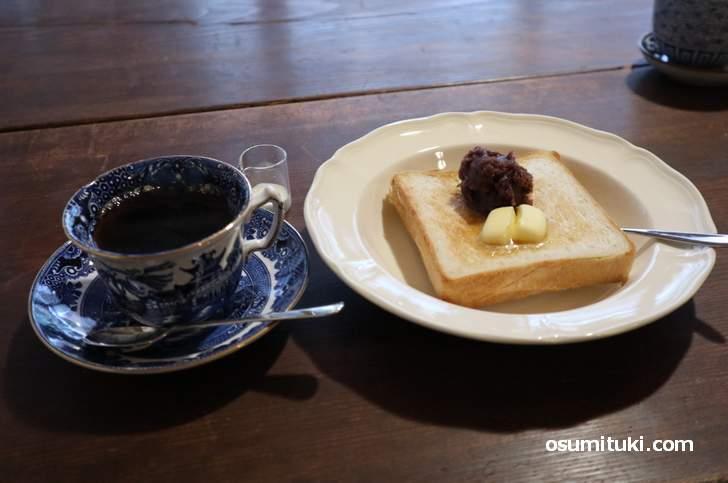 カフェ「好文舎」さんのコーヒーとあんトースト