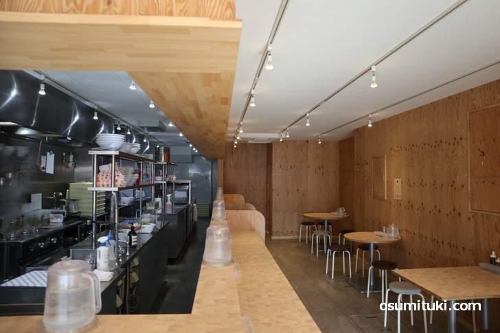 プレオープン直前の店内(西院麺ism)