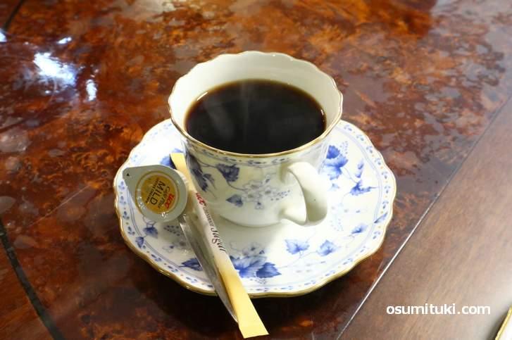 中小路家住宅のコーヒー