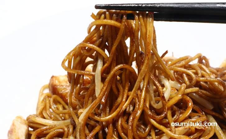 「大磯屋 焼きそば」はコシが強く、小麦の風味がものすごい麺でした