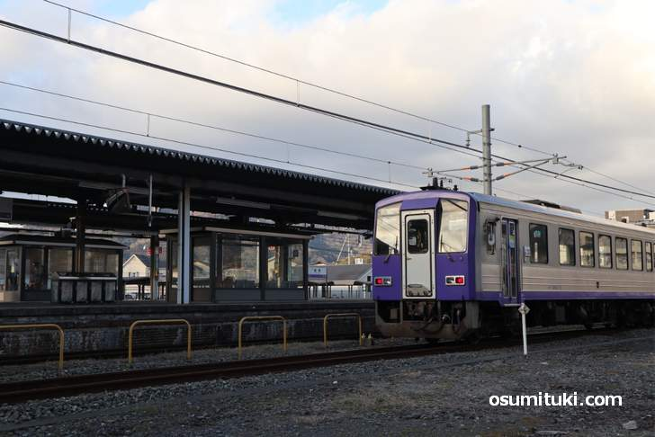JR加茂駅構内にも大仏鉄道の名残が現存しています