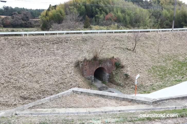 整備されてキレイになっている「梶ヶ谷隧道」