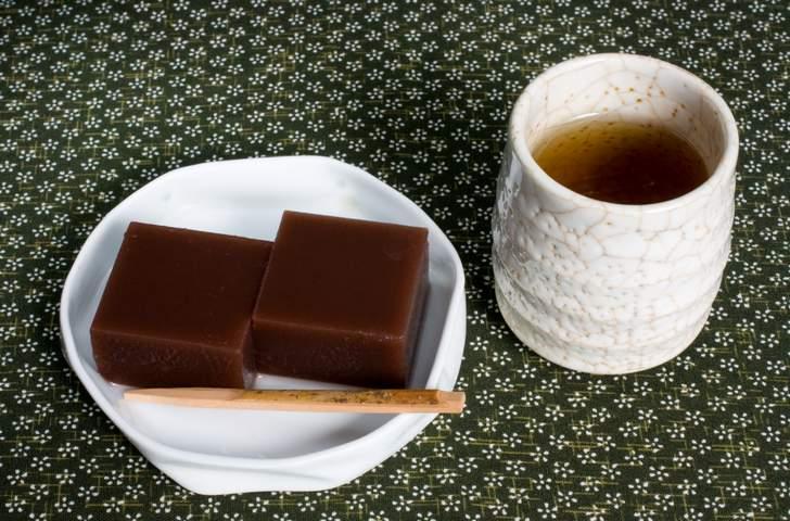 福井で冬に食べるものといえば「水羊羹(ようかん)」