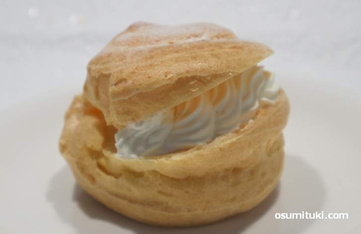 シュークリーム 220円