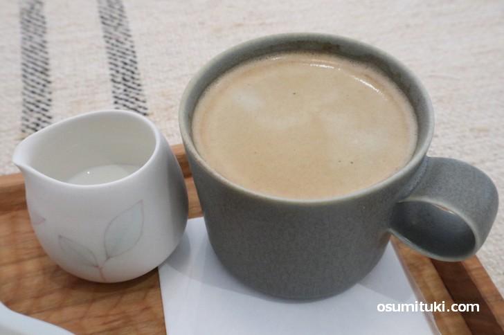 コーヒーはアッサリした苦味で和菓子に合います