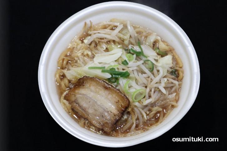 中華蕎麦 とみ田監修の「豚ラーメン」を食べてみたいと思います