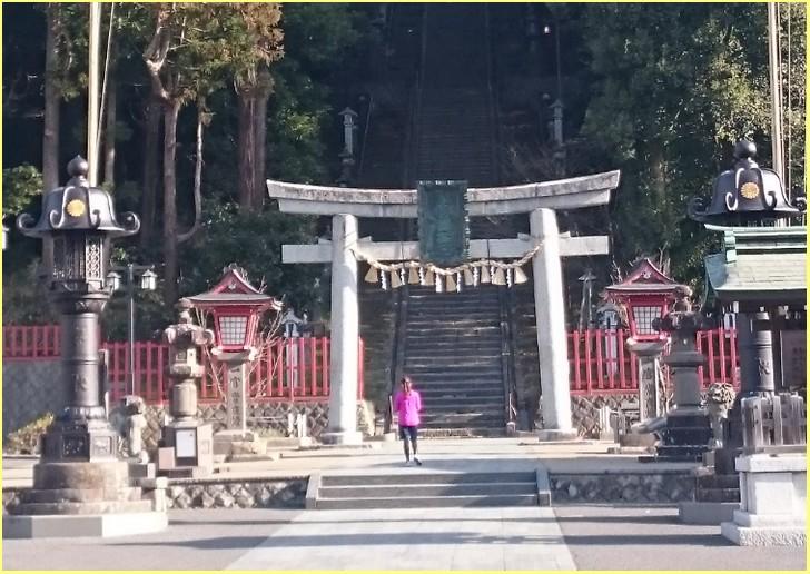 奉献乾海苔品評会が開催される宮城県の鹽竈神社(塩釜神社)