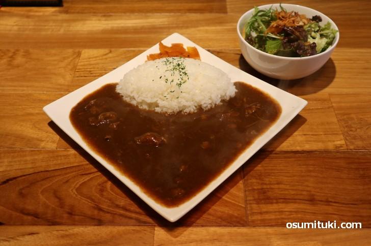牛すじカレーライス 890円(steakJ kyoto)