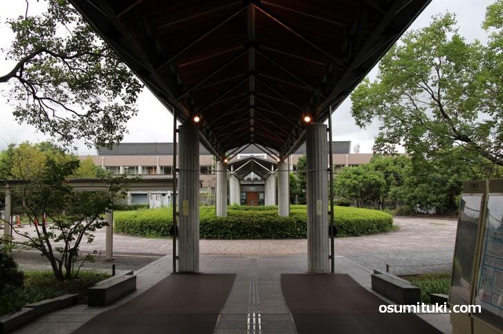 琵琶湖博物館へは自家用車で行ってください