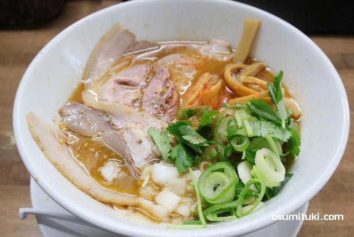 オープン記念ラーメン(鶏、鯛)魚介の風味が香る