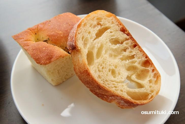 パンは2種類ついてきます