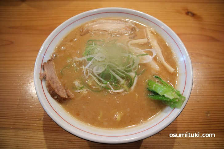 濃厚豚骨スープのラーメンです