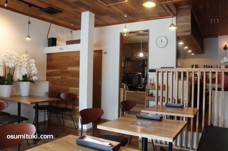 2019年3月下旬に新店オープンした「まるさか洋食堂」です