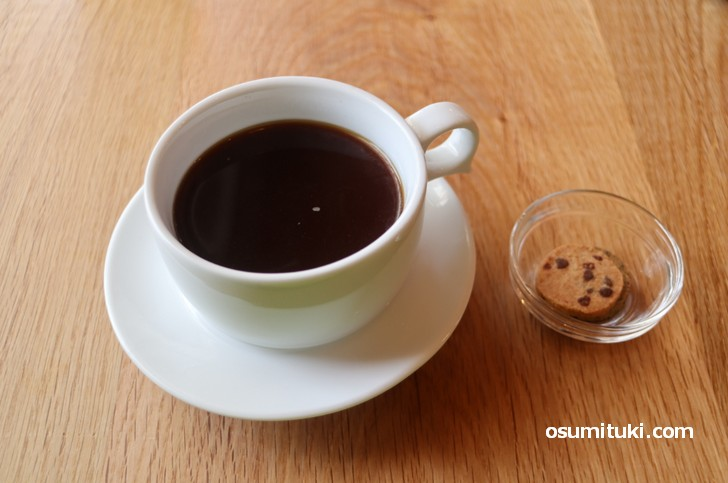 コーヒーはフレンチプレスで350円(安い)