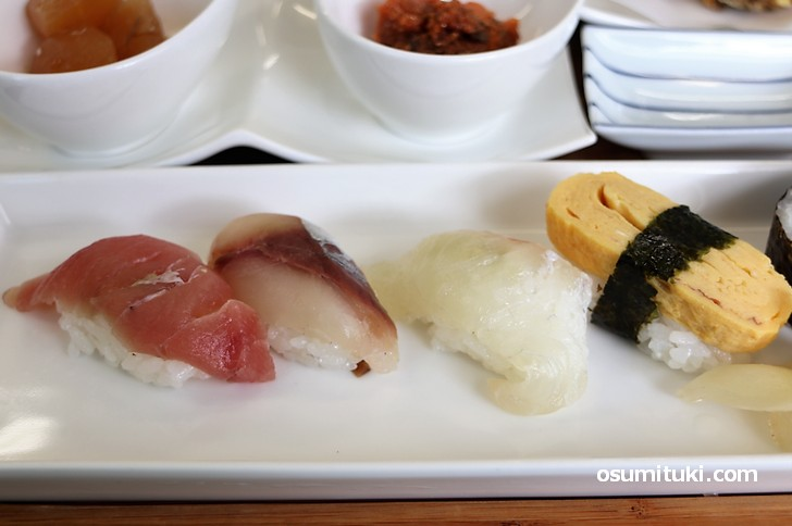 にぎり寿司も付いて680円は安い!