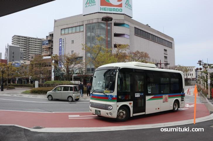 JR彦根駅西口から右の階段を降りて平和堂の方へまっすぐ