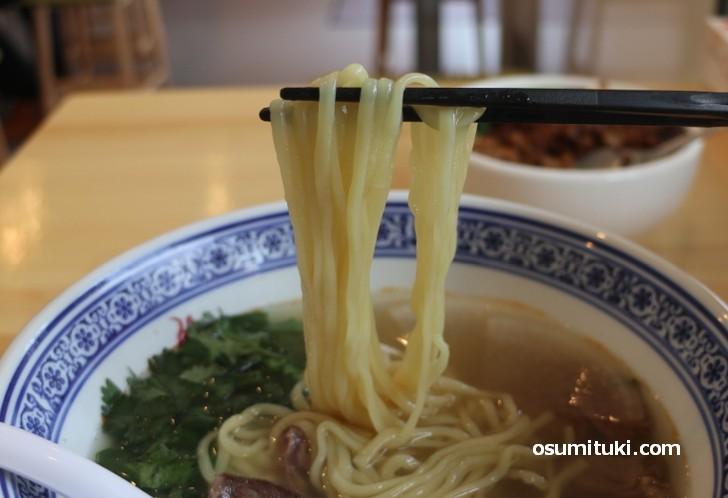麺は棣鄂(テイガク)