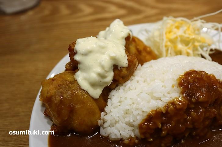 宮崎名物のチキン南蛮、タルタルソースが絶品です