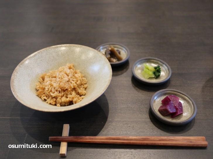 京茶飯は京丹後のオーガニック米(コシヒカリ)を使用