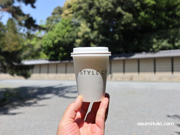 コーヒーは中煎りでコーヒー本来の味わいがします