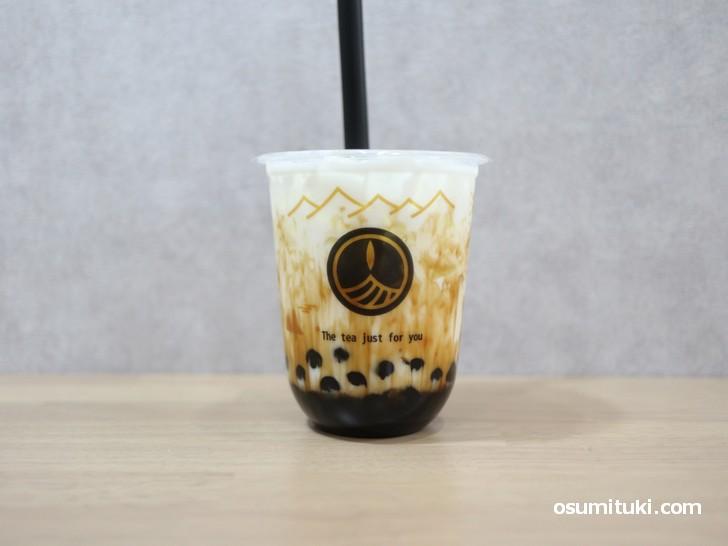 霧社茶町 黒糖タピオカラテ 650円(税込702円)