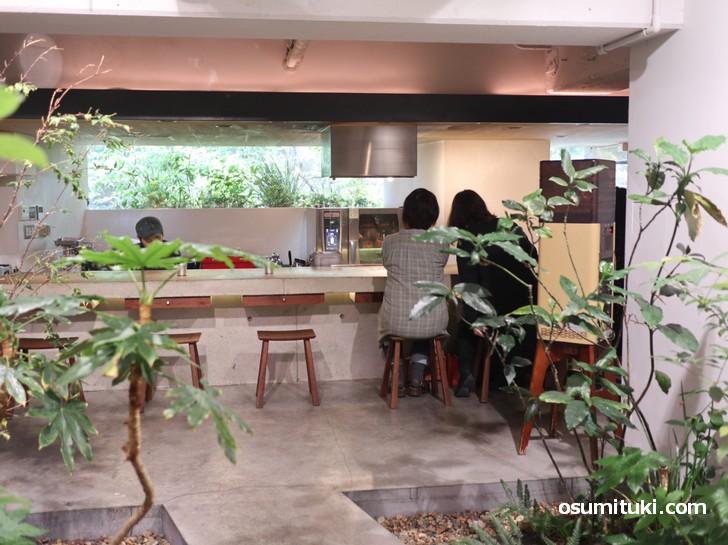 京都ラーメン界ではオシャレなラーメン店として知られている「名前のないラーメン屋」