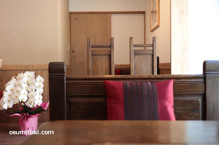 アリカフェさんでは落ち着いた空間でコーヒーやカレーをいただくことができます
