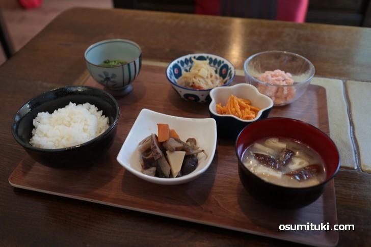 今回は和(なごみ)食をいただきました