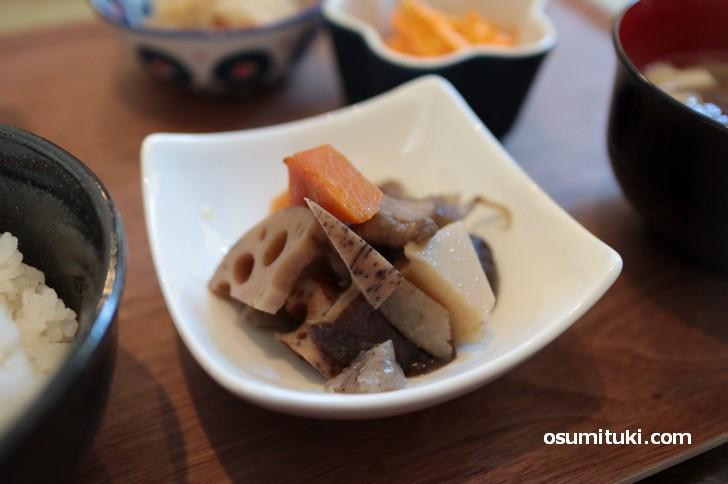 煮物など京都の家庭食になっています