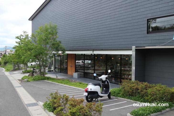 伏見区深草の「茶寮 伊藤軒」と下鴨の「インテリアショップFILE」がコラボしたレストラン