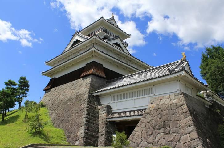 山元隧道は山形県上山市街地から車で7kmほどのところにあります(写真は上山城)