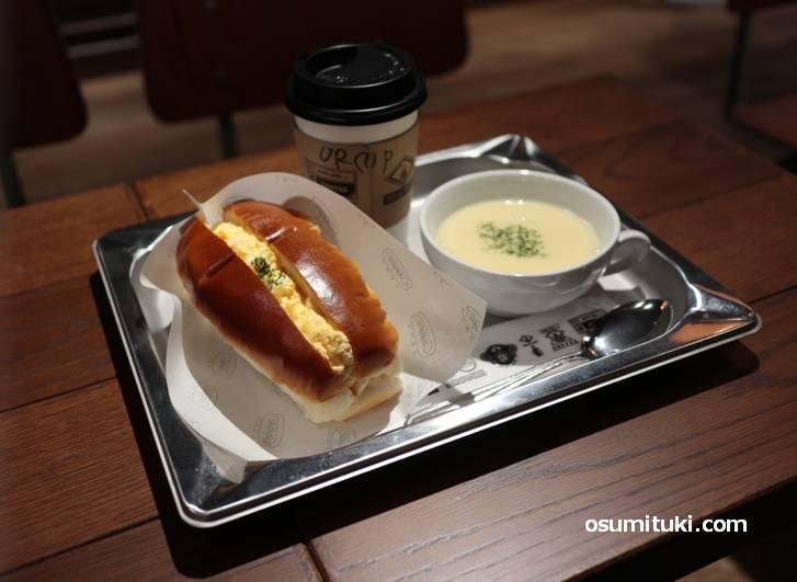 話題のニコパンにスープとホットコーヒー