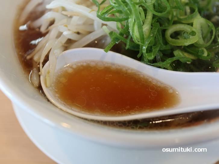スープは第一旭より辛めの醤油ダレ